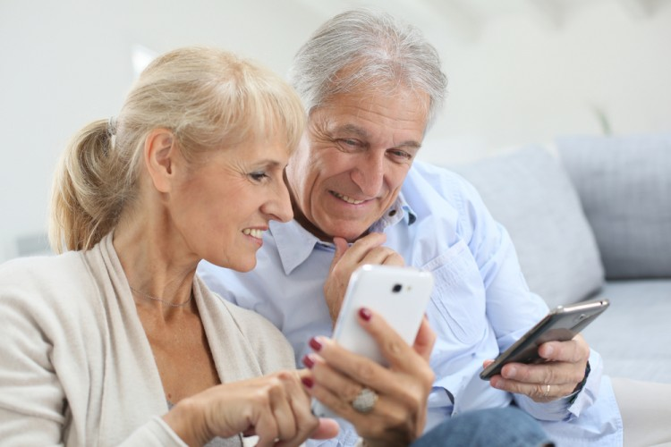 smartphone-benefits-for-seniors